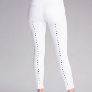 Bebe High Waisted Jeans w/ star accent 💫